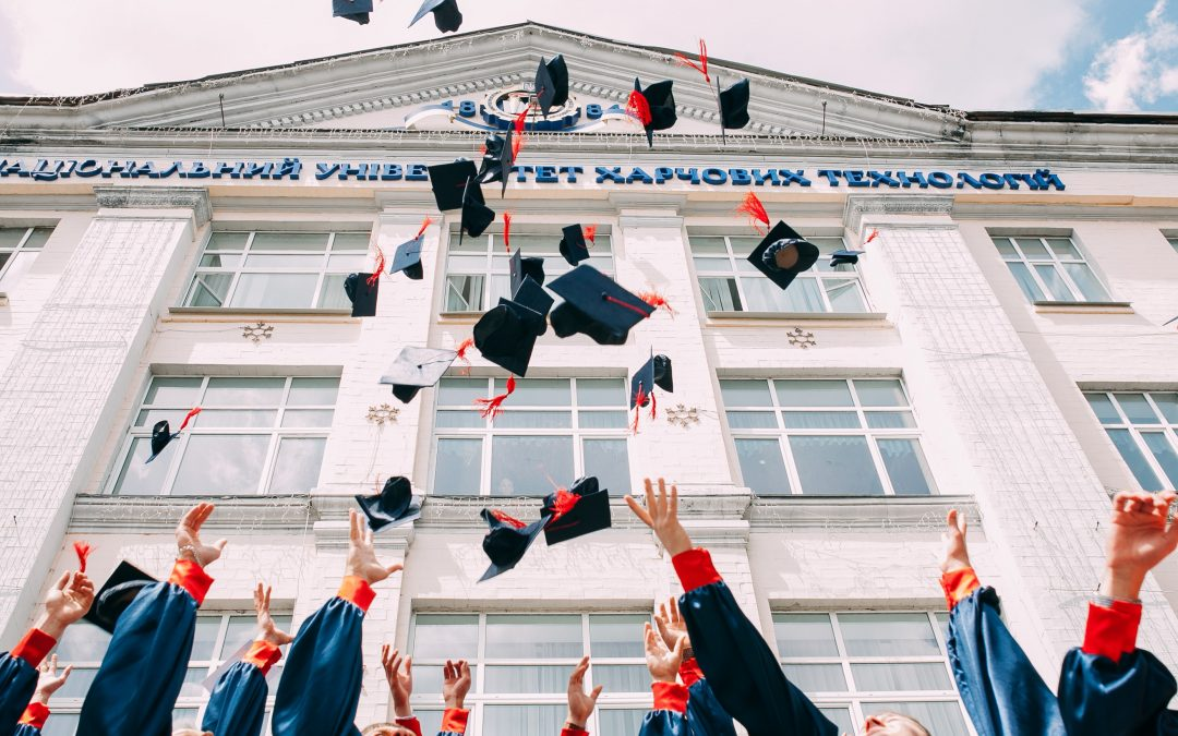 The 7 Skills All School Leavers and Graduates Need to Develop to Get that Job!